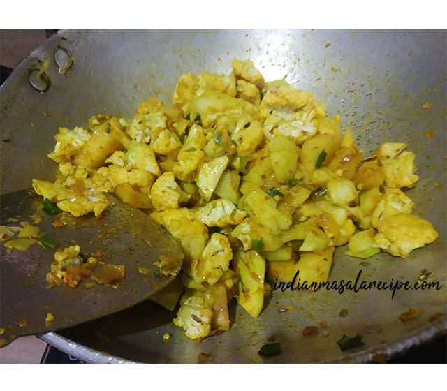 recipe-of-cauliflower-potatoe