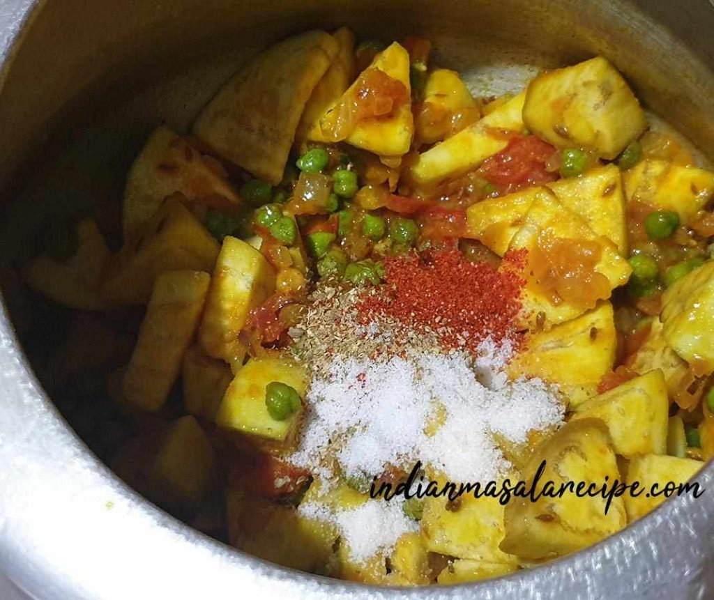 how-to-make-hara-chana-with-baingan