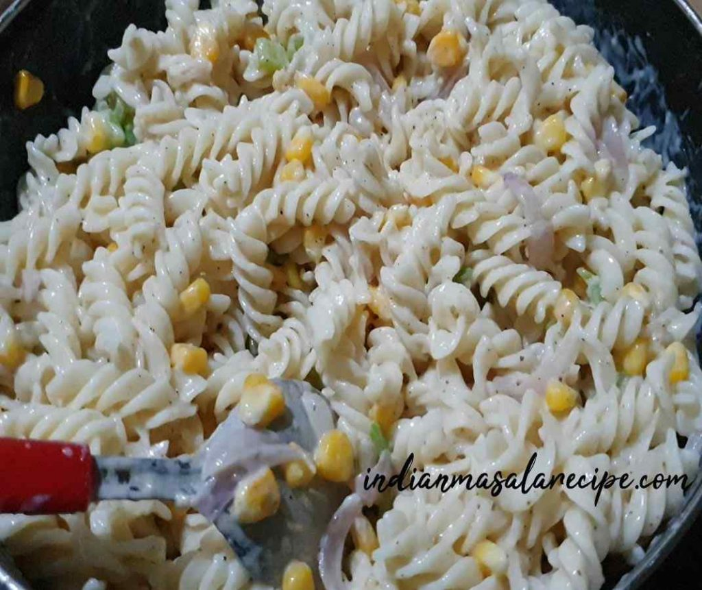 tasty-white-sauce-pasta