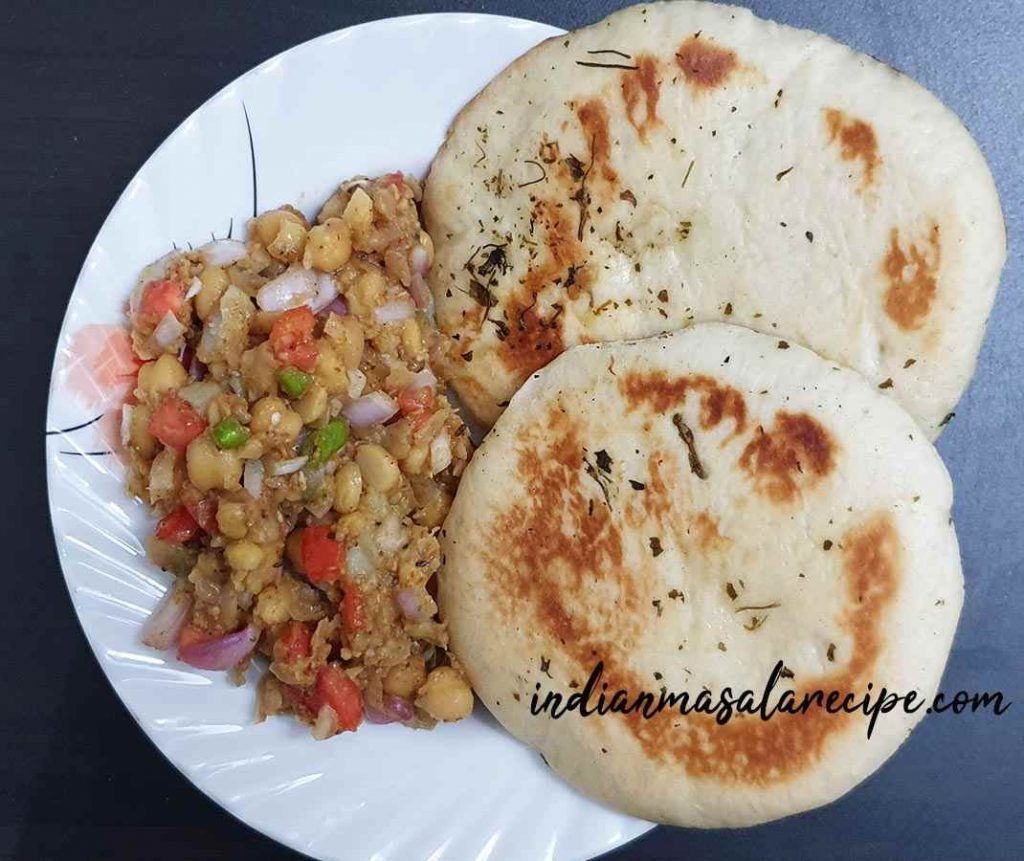 Tasty-matar-kulche-recipe