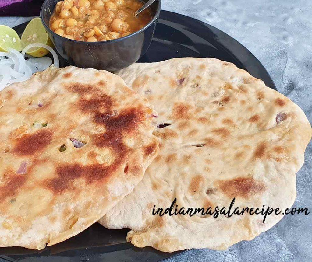 Aloo-kulcha-punjabi-recipe